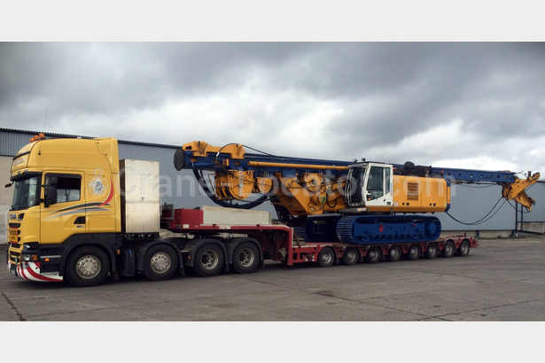 Delivery a self-propelled drilling machine