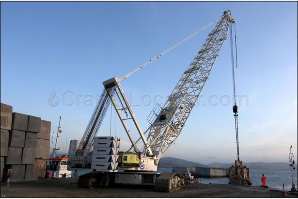 Lattice boom crawler crane Liebherr LR 1350 look on the map