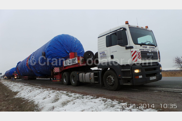 Transportation of column for refinery