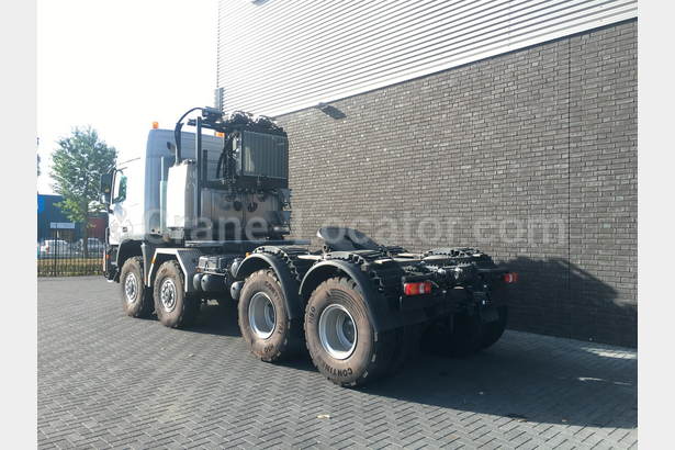 Heavy Duty Tractor Unit With Push Pull Mercedes Benz Actros 4861 8x8