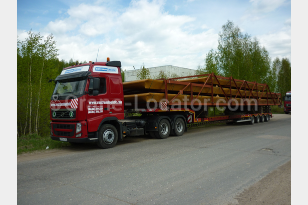 Loading extendable semitrailer